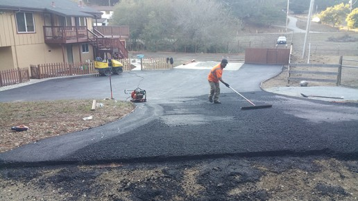 paving residential driveway